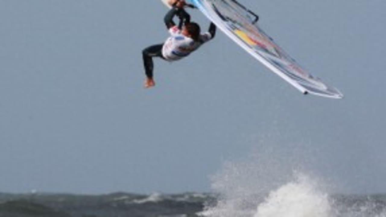 <h2>Windsurfen</h2> Und bietet optimale Voraussetzungen für Training und Meisterschaften  (Foto: getty).