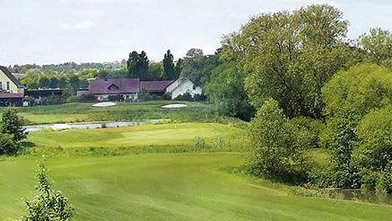 GC Pforzheim Karlshäuser Hof - Golfclub in Ölbronn-Dürrn