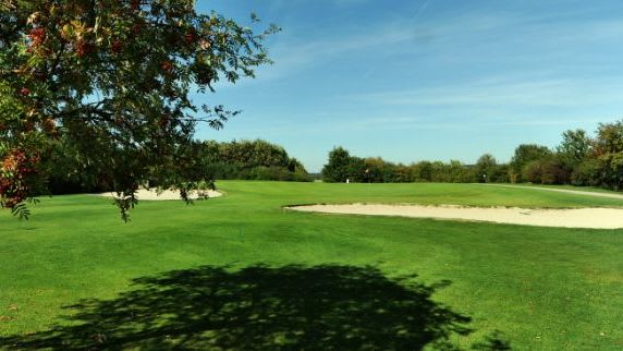 Attighof Golf & Country Club - Golfclub in Waldsolms-Brandoberndorf