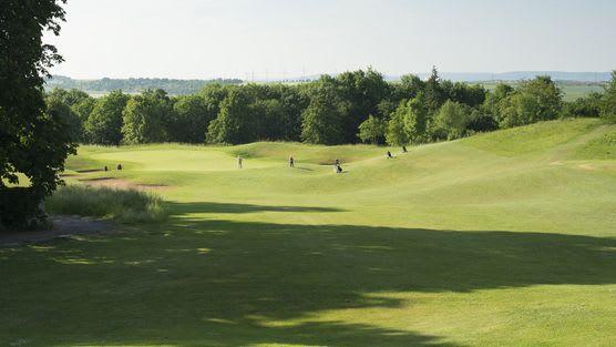 Golfanlage Schloss Nippenburg - Golfclub in Schwieberdingen