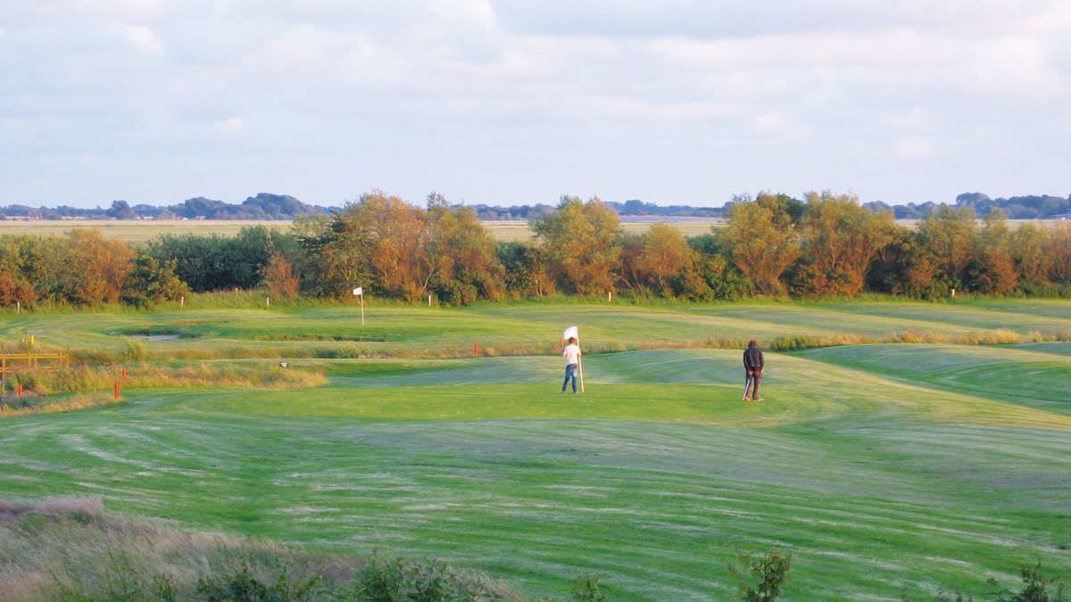 Golfplatz Open County - Golfclub in Tating