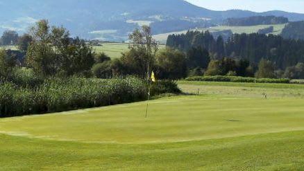 Almenland Golf - Golfclub in Passail