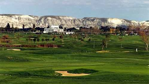 Golf los Lagos - Golfclub in Pinseque