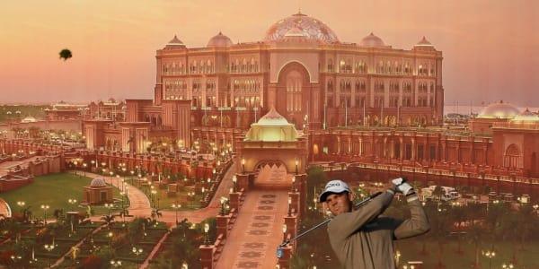 Martin Kaymer vor einer Leinwand in Abu Dhabi