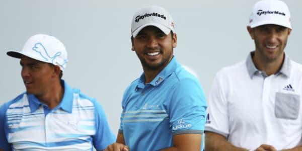 Jason Day lacht von der Spitze des Leaderboards bei der PGA Championship. (Foto: Getty)