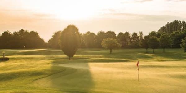 Der Golfclub Am Alten Fliess präsentiert seine Angebote für 2016 (Foto: Golfclub Am Alten Fliess)