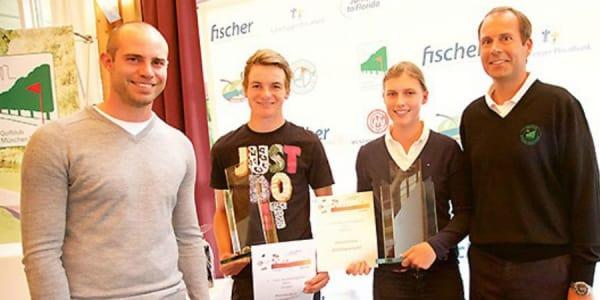 Schirmherr und Golfprofi Bernd Ritthammer (links) und Korbinian Kofler, Geschäftsführer des Golfclubs München Eichenried (rechts), freuen sich mit Florian Horder und Pilar von Heynitz. (Foto: Ralf Gamböck)