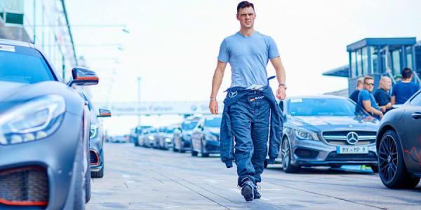 Martin Kaymer erwarb auf dem Nürburgring gemeinsam mit seinem Partner Mercedes-Benz die nationale A Rennlizenz. (Foto: Mercedes)