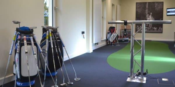 Neben zwei Putting-Studios beinhaltet das Center of Excellence im GC Gut Lärchenhof auch noch zwei Swing-Studios. (Foto: GC Gut Lärchenhof)