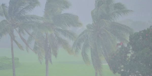 Regen und Wind machen es den Golfern bei der Hainan Open nicht leicht. (Foto: Getty)