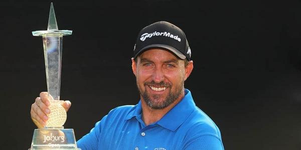 Darren Fichardt Sieger Joburg Open 2017 mit Pokal Ergebnisse Finale