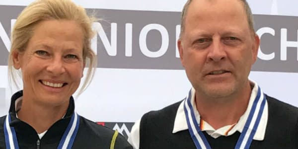 Freuen sich über ihre Erfolge bei der Europameisterschaft der AK 50: Susanne Lichtenberg und Martin Birkholz (Foto: DGV/Effert)