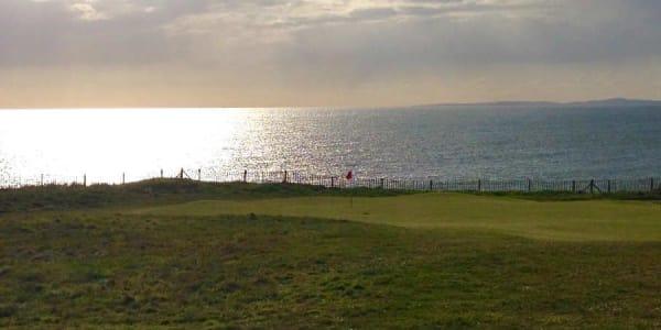 Royal Porthcawl sticht durch seine Schönheit unter den Golfplätzen in Südwales heraus. (Foto: Michael F. Basche)
