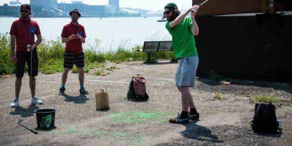 Golf spielen, wo es keine Abschläge, Fairways oder Grüns gibt? Crossgolf lautet die Löung! (Foto: European Urban Golf Cup)