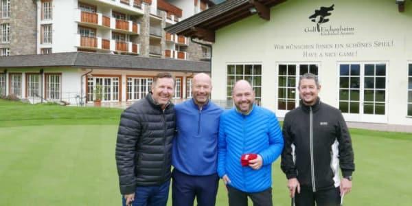 Kitzbühel Englands Fußball-Hero Alan Shearer mit Eichenheim Golf-Manager Dominik Kremper (Mitte) und den Event-Organisatoren Martin Terrell (l.) und Jamie O'Doherty.