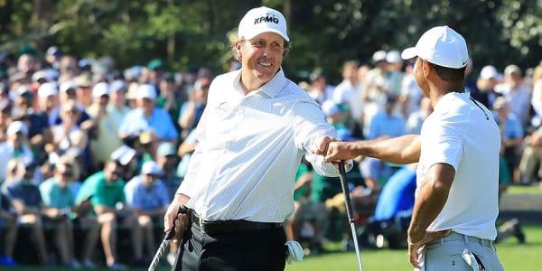 Tiger Woods (r.) und Phil Mickelson planen einen gigantischen Show-Kampf. (Foto: Getty)