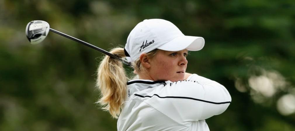 Die Schwedin Caroline Hedwall spielte am zweiten Tag der ISPS Handa Women's Australian Open ein Hole-in-One und setzte sich an die Spitze des Feldes