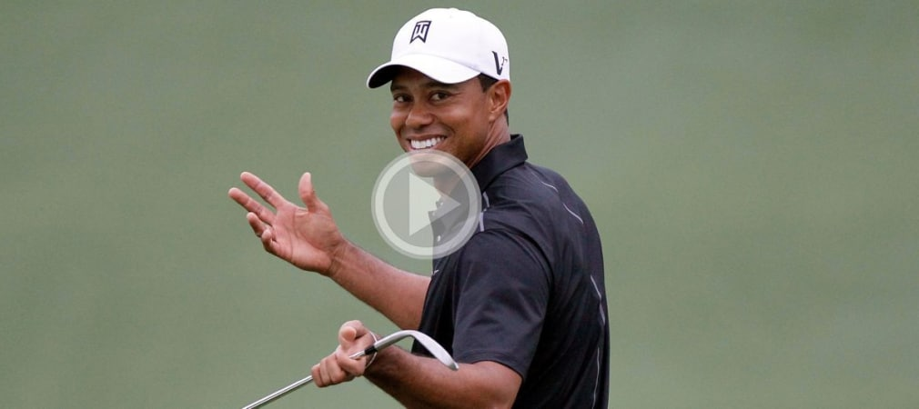 Tiger Woods lächelt