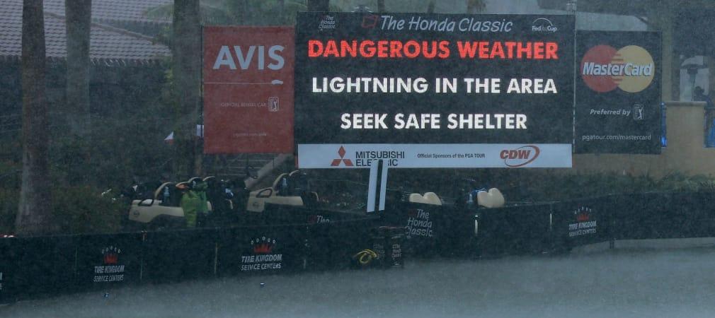 Die PGA Tour ließ die Caddies bei der Honda Classic im wahrsten Sinne des Wortes im Regen stehen.