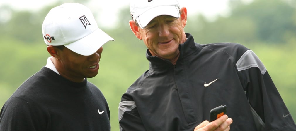 Ob Tiger Woods sich da wohl gerade einer App bedient? (Bild: Getty)