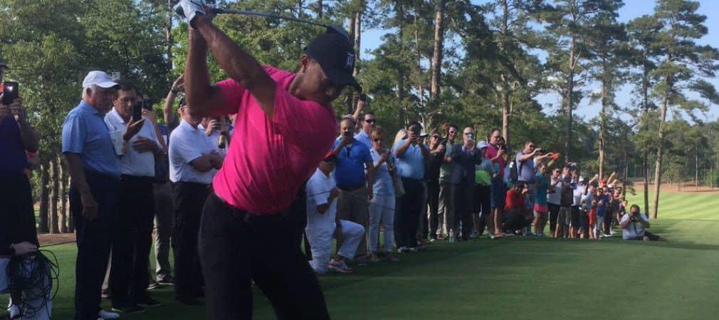 Mit soliden Schlägen eröffnete Tiger Woods seinen Bluejack National. (Foto: twitter.com/TigerWoods)