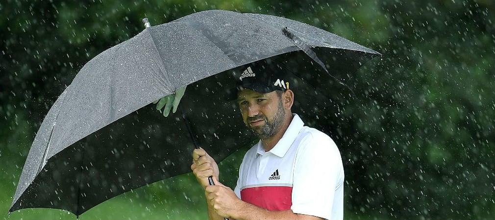 Auch Sergio Garcia musste bei der BMW International Open mehr als einmal unter dem Regenschirm Schutz suchen. (Foto: Getty)