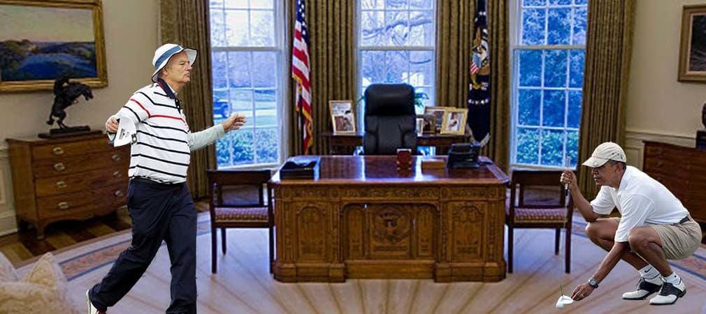 So oder so ähnlich muss es ausgesehen haben: Barack Obama und Bill Murray trafen im Oval Office im Putting-Duell aufeinander. (Foto: Getty)