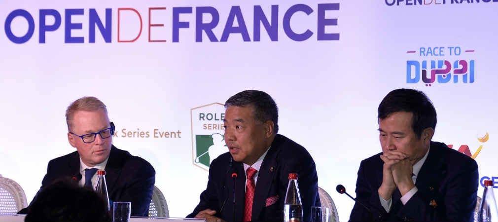 Keith Pelley (l) mit Vertretern des neuen Titelsponsors der Open de France HNA. (Foto: Getty)