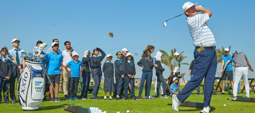 European Tour Eröffnung Royal Greens Golf and Country Club Saudi Arabien Ernie Els Andrew Beef Johnston (Foto: Performance54)