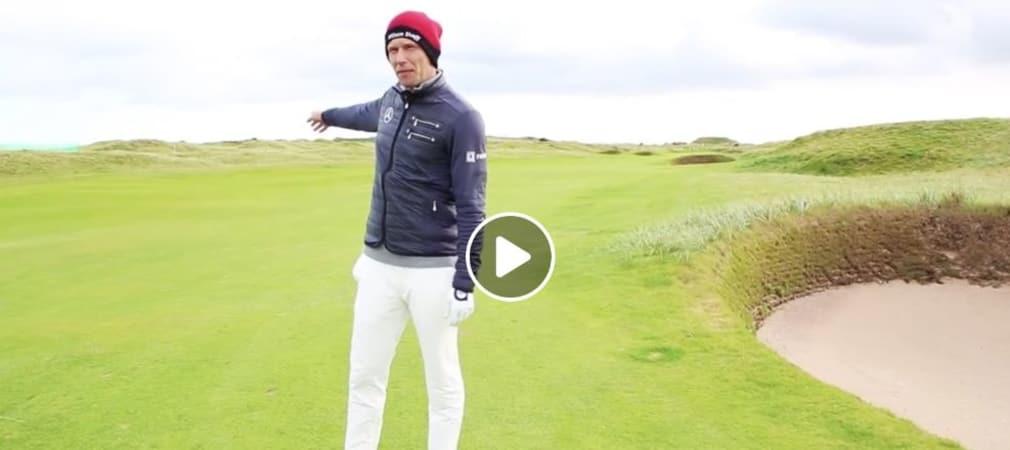 Marcel Siem auf dem Fairway von Loch 2 des Carnoustie Golf Links. Der deutsche Profi gibt Tipps, wie man den Platz bezwingt. (Foto: Facebook/@MercedesBenzGolf)