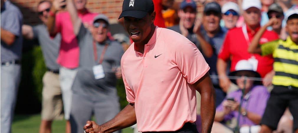 Tiger Woods packt die Tiger-Faust nach einem Eagle an der 18 bei der Tour Championship der PGA Tour aus. (Foto: Getty)