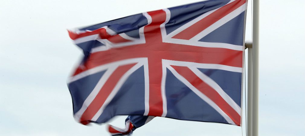 Die britische Flagge flattert im heftigen Wind beim British Masters der European Tour. (Foto: Getty)