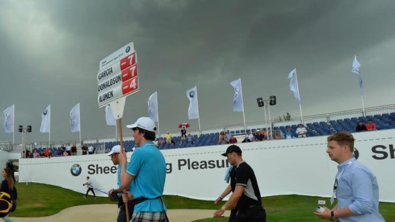Eine Unwetterwarnung zwingt die Veranstalter der BMW International Open zu einem veränderten Zeitplan für den Finaltag.