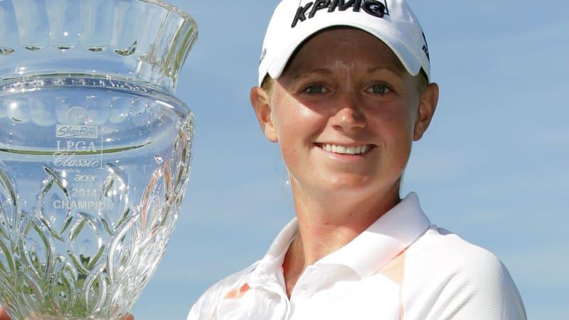 Stacy Lewis sicherte sich bei der ShopRite LPGA Classic den zweiten Saisonsieg und den Sprung an die Spitze der Weltrangliste.