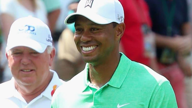 Tiger Woods präsentierte sich beim Par-3-Contest in Augusta gut gelaunt und hatte häufig ein Lachen im Gesicht.