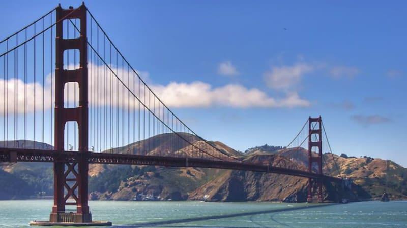 Wahrzeichen von San Francisco ist die weltbekannte Golden Gate Bride. Doch die kalifornische Stadt bietet auch interessante Golferlebnisse.