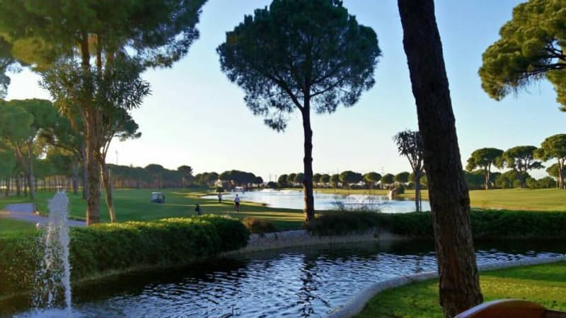 Ein Golfurlaub in den Gloria Hotels & Ressorts ist vielversprechend: Fast garantierter Sonnenschein, viel Wasser und traumhafte Golfanlagen. (Foto: Janek Weiss)