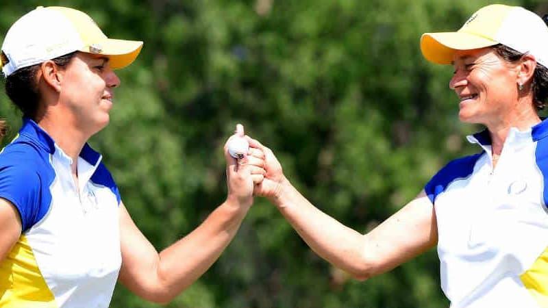 Karin Icher und Catriona Matthew holen den ersten Punkt für Europa beim Solheim Cup 2017. (Foto: Getty)