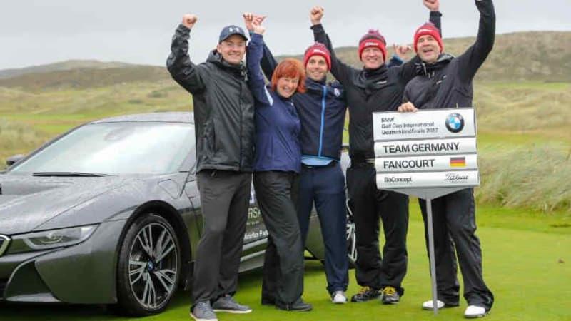 Die glücklichen Gewinner beim Deutschlandfinale des BMW Golf Cup International auf Sylt. (Foto: BMW Presse - und Öffentlichkeitsarbeit)