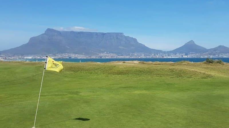 Blick vom Milnerton Golf Club auf Kapstadt. (Foto: Kai Wunner)