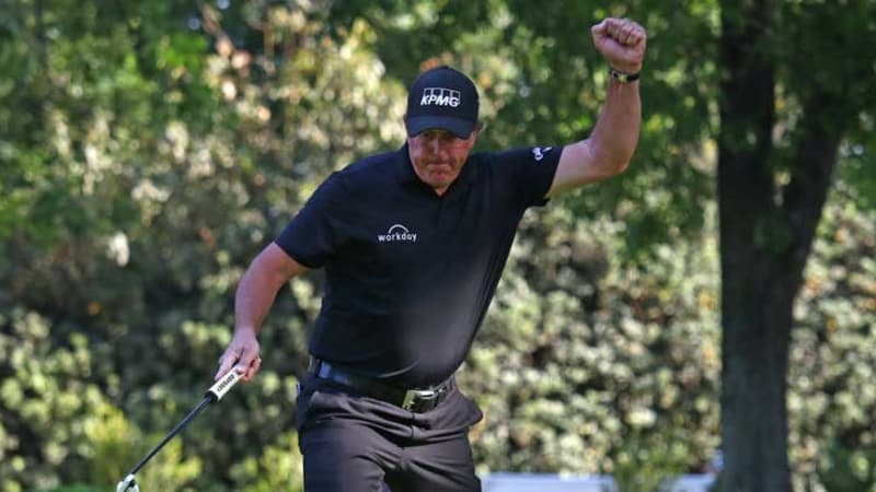 Phil Mickelson schlägt im Playoff bei der World Golf Championship Justin Thomas. (Foto: Getty)