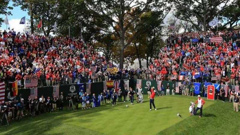 Auf dem Le Golf National in Paris wird die größte Tribüne der Ryder Cup Geschichte erbaut. (Foto: Twitter@RyderCupEurope)