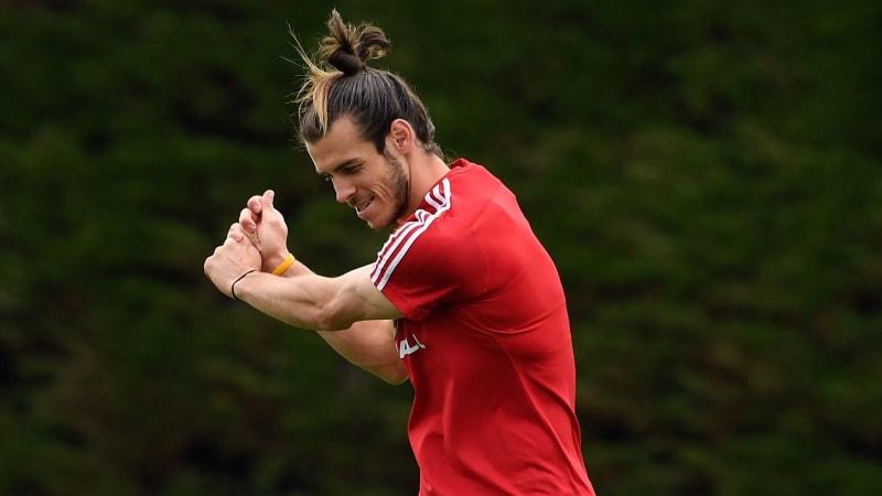 Gareth Bale geht auch auf dem Fußballplatz gern seinen Schwung durch. (Foto: Getty)