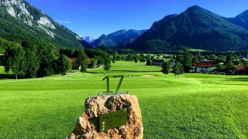 Der GC Ruhpolding kontrolliert - richtigerweise - ob Golfer*innen ihre Pitchgabeln auch benutzen. (Bildquelle: GC Ruhpolding)