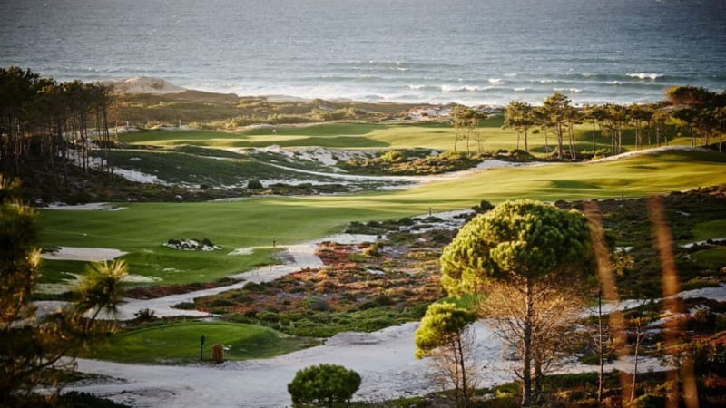 Der West Cliffs Links Course in Portugal gehört zu den absoluten Schwergewichten in Europa. (Foto: Praia D'el Rey Golf)