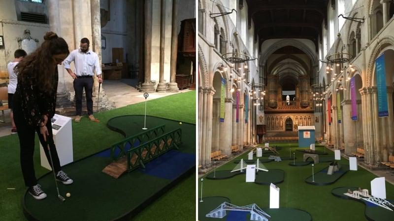 Minigolf im Kirchenschiff der Rochester Cathedral. (Fotos: Twitter.com/@RochesterBridge und @RochesterCathed)