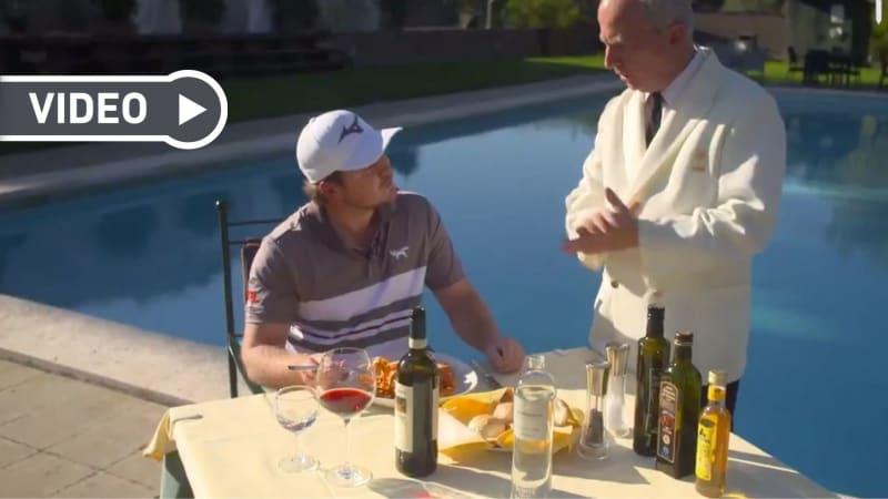 Eddie Pepperell genießt das italienische Essen in Rom. (Foto: Twitter/@EuropeanTour)