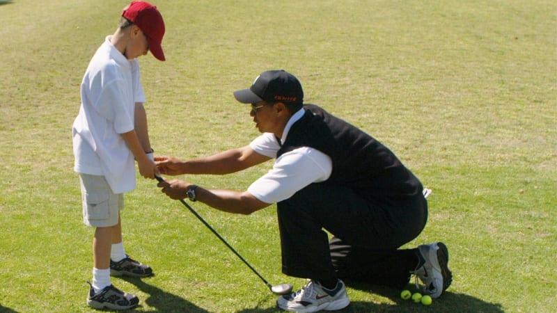 Zwar nicht von Tiger Woods, doch auch bei uns finden Sie zahlreiche grandiose Tipps, um Ihr Golfspiel zu verbessern. (Foto: Getty)