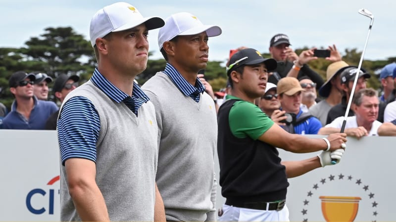Justin Thomas (li.) und Tiger Woods holen auch am zweiten Tag des Presidents Cup 2019 einen ganzen Punkt. (Foto: Getty)