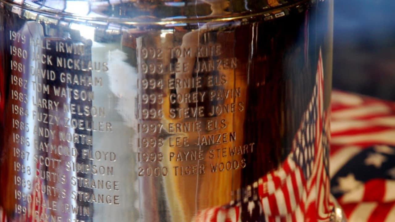 Sieger der US Open Trophäe
